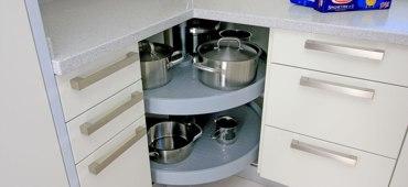 Küchen eckschrank lösungen  Winkel-Lösungen bei Küchen Erjavec